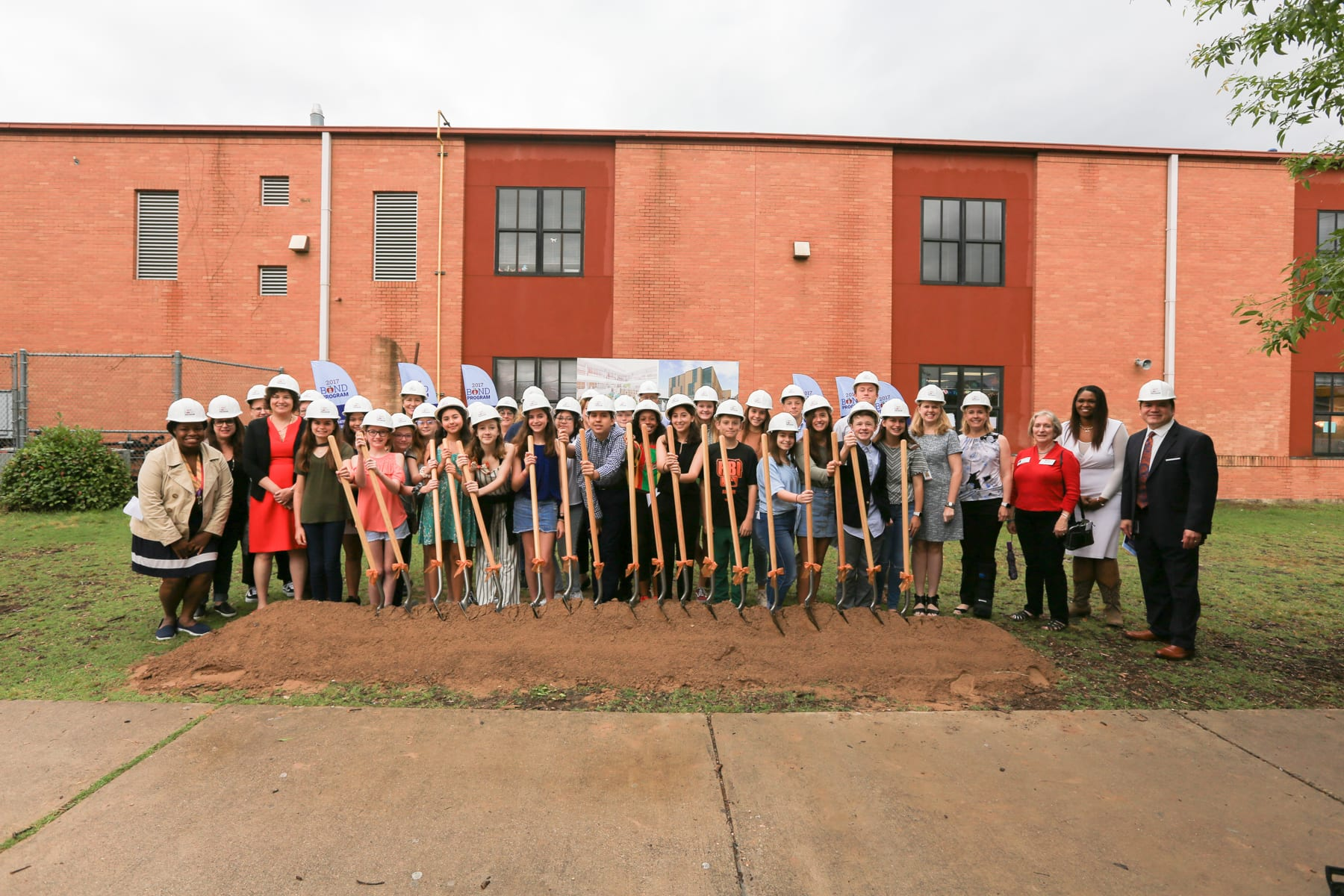 Murchison Middle School Groundbreaking student government and staff welcome Austin ISD to groundbreaking ceremony.